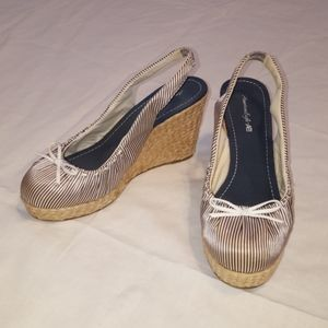 American Eagle Striped Sling-back Wedges 7W